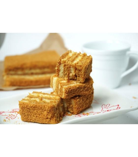 Торт «Медовик» из заварного крема с медовым бисквитом